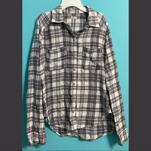 ❄️3 for 30! Hollister flannel